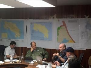 El Presidente Luis Guillermo Solís en la Comisión Nacional de Emergencias. Cortesía CP