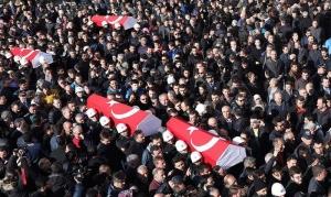 Funeral de policías muertos en atentado terrorista en Estambul, Turquía. EFE