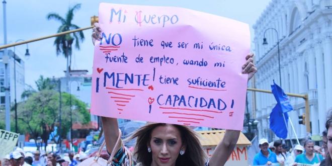 Transexual en marcha del 1 de mayo. Foto por: José Pablo Román.