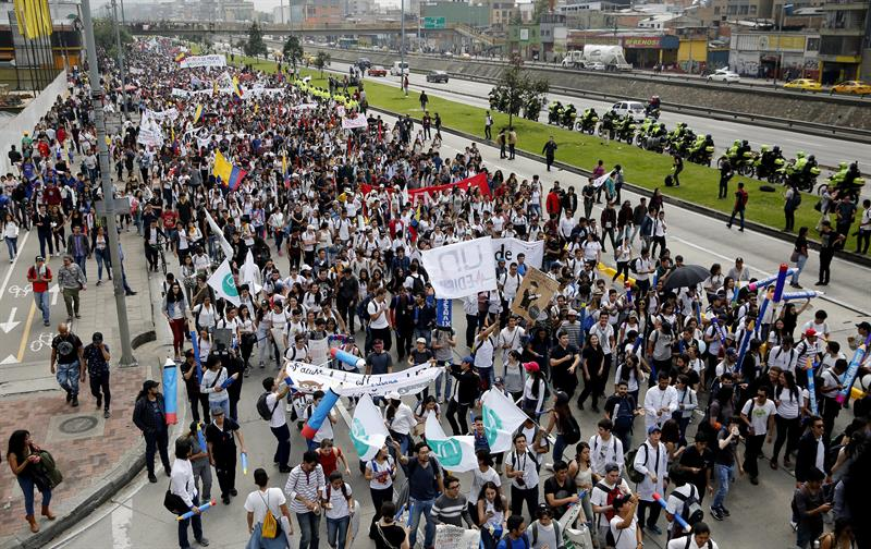 Cuba reitera en Colombia su respeto a la soberanía de las naciones