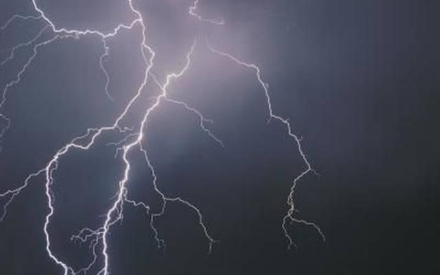Rayos matan a 32 personas en la India durante tormenta eléctrica