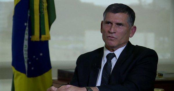 Bolsonaro destituye a uno de los generales de su gabinete