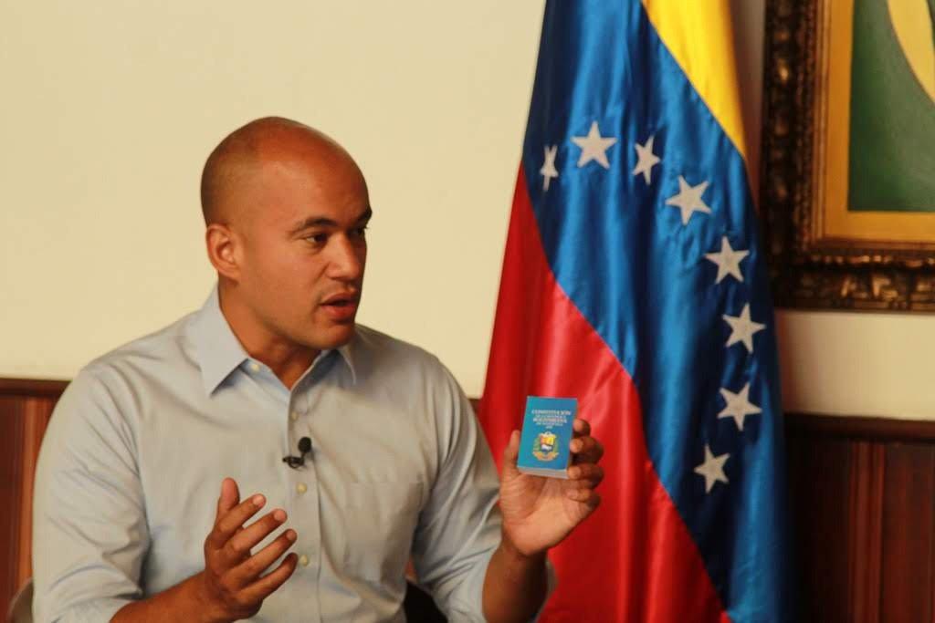 Avanza recolección de firmas contra bloqueo de EE.UU. en toda Venezuela