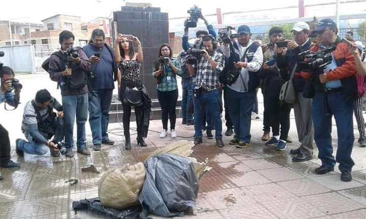 Las Autoridades De Bolivia Retiran Un Busto De Evo Morales Cerca De Un Polideportivo En Cochabamba Diario Digital Nuestro Pais