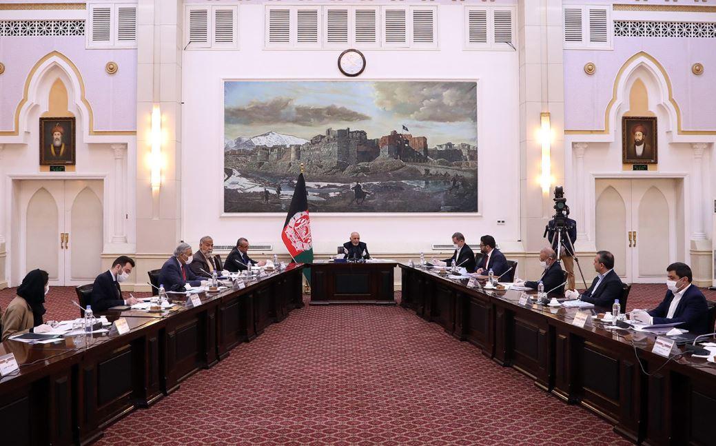 Pompeo visita Afganistán en plena crisis política y ataques de los talibanes