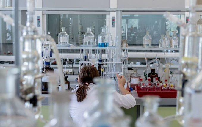 Rusia aprueba su primer medicamento contra covid-19