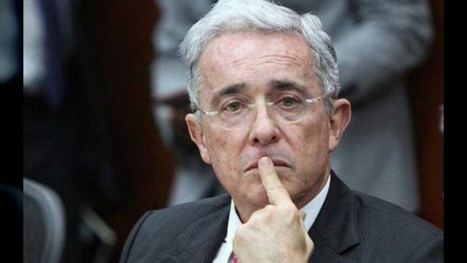 Cables del pentágono revelan sospechas sobre relación de Uribe y autodefensas — Videos