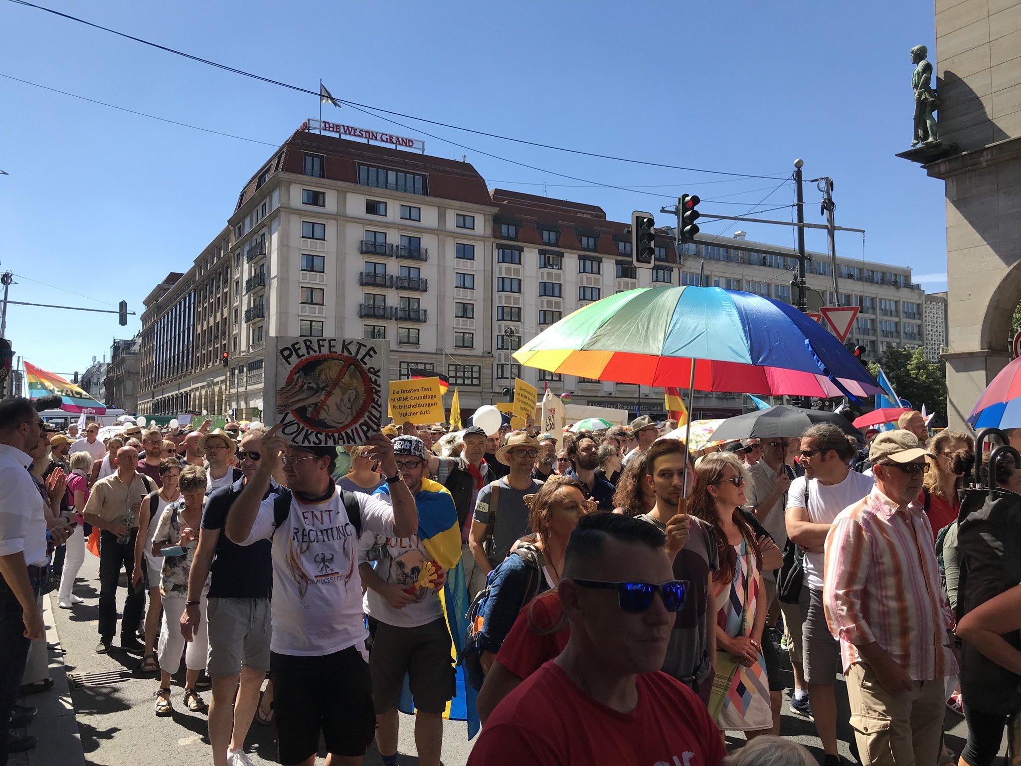 Más de 15.000 personas se manifiestan en Berlín contra las medidas ...