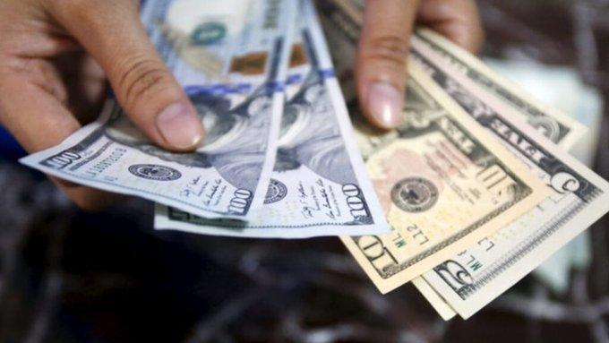 El 67 por ciento de los pagos en Venezuela se realizan en divisas, según encuestadora