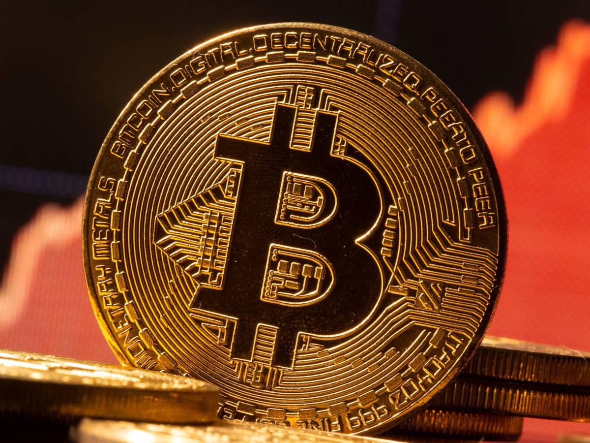 El Salvador teme il Bitcoin: la popolazione scende in piazza