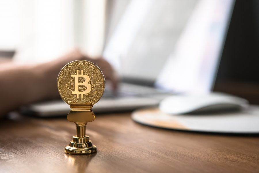 Road Not Taken: Bitcoin opts for the Golden-touch; veers away from the Altcoin hold