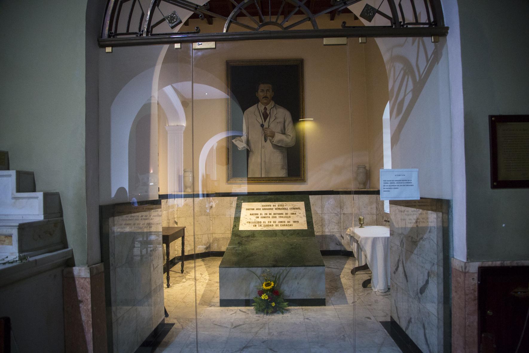 Especial José Gregorio Hernández (III): Iglesia pone su fe en un ...