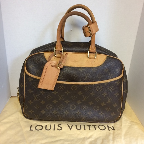LV with Dust Cover