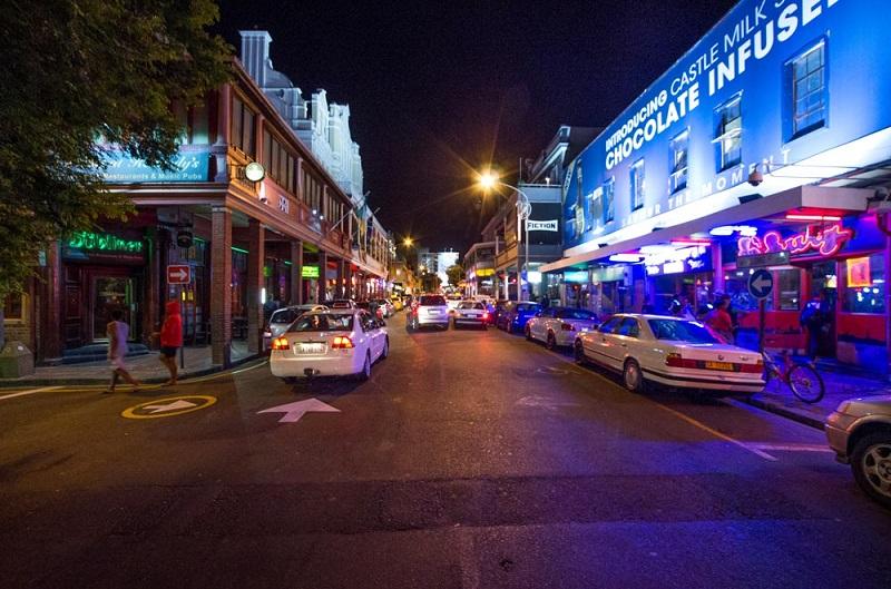 Noite na Long Street na Cidade do Cabo
