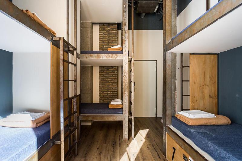 Dormitório do Black Swan Hostel Sevilla