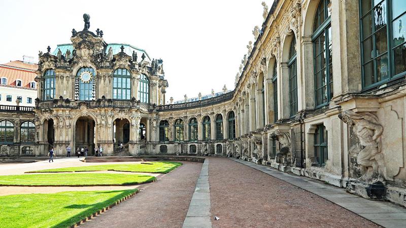 Detalhes do Jardim do Museu Zwinger em Dresden