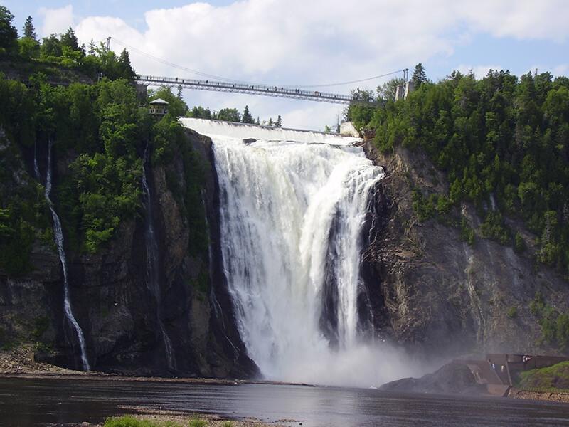 Cachoeira do Parque Canyon Sainte-Anne em Quebec
