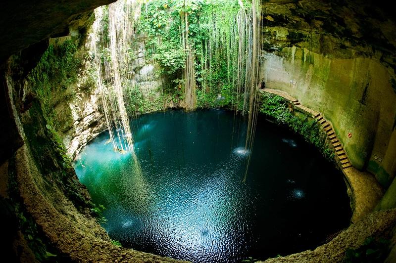 Cenote para visitar em um viagem a Cancún