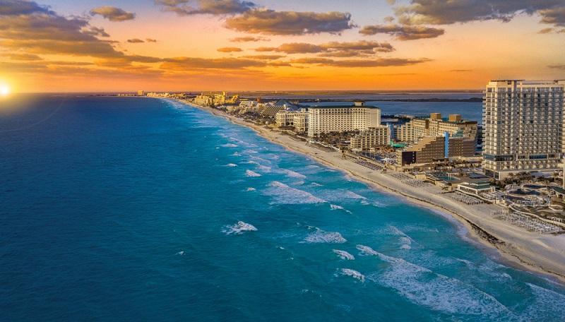 Belíssimo pôr do sol em Cancún
