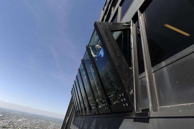 360 Chicago Observation Deck: parede Tilt