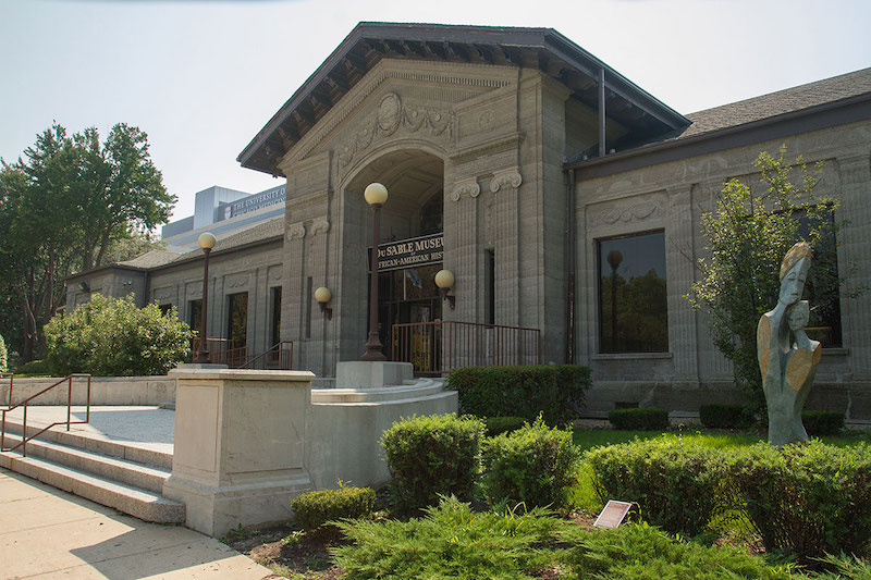 Fachada do DuSable Museum of African American History em Chicago