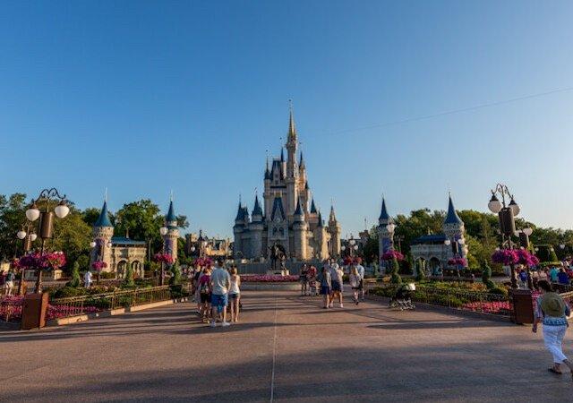 Manhã no parque Magic Kingdom da Disney Orlando