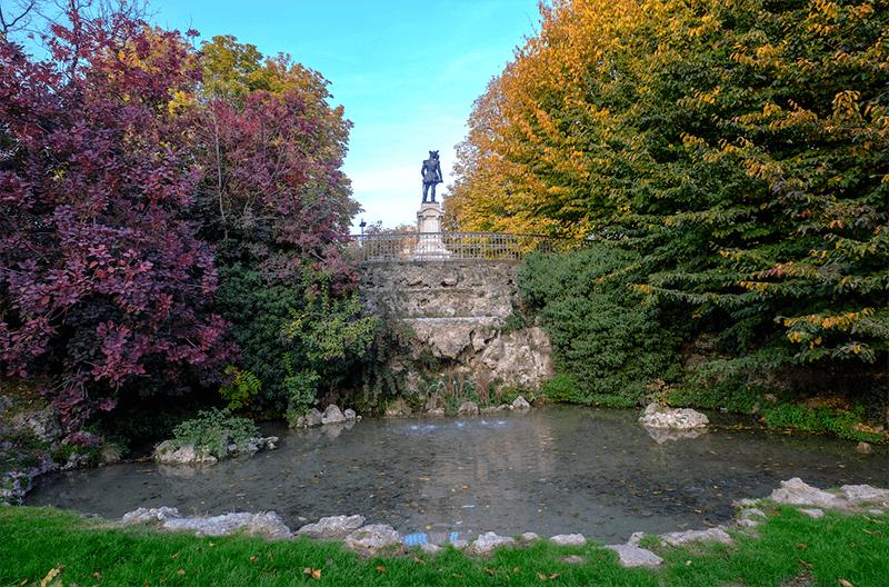 Vista do Hotel Cavour no outono em Milão
