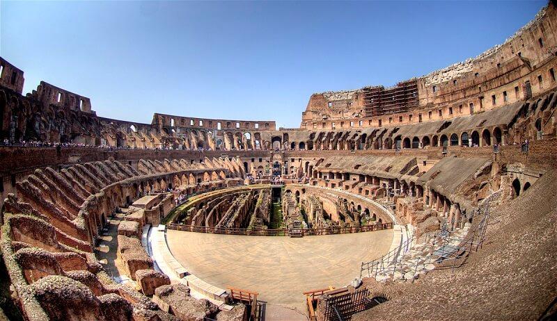 Interior do Coliseu de Roma