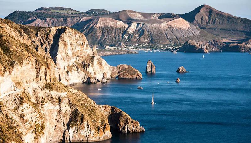 Beleza de Lipari nas Ilhas Eólicas na Itália