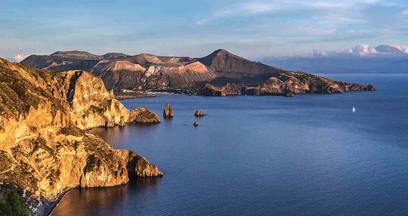 Lipari nas Ilhas Eólias na Itália