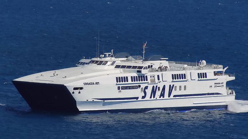 Ferry da empresa SNAV