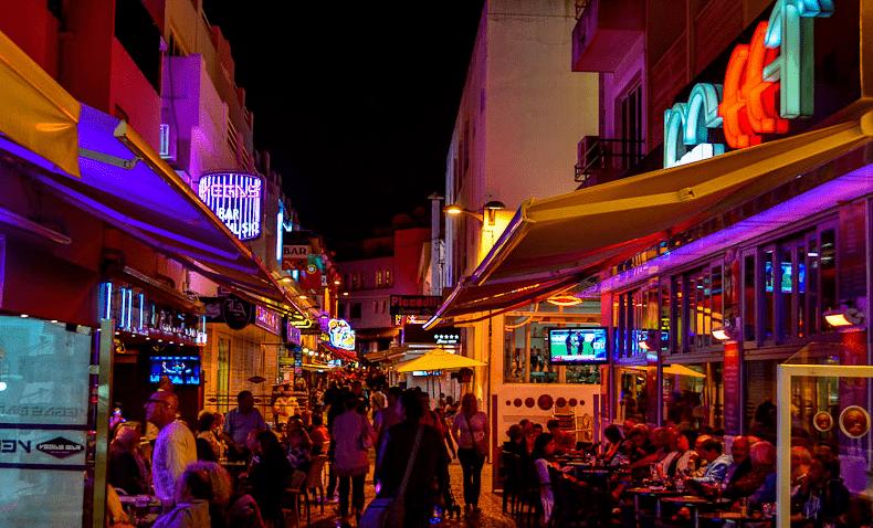 Noite em Faro, no Algarve