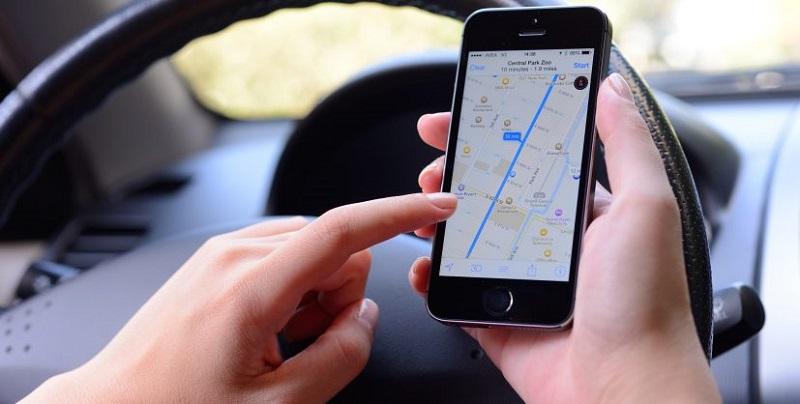 Celular com GPS na viagem