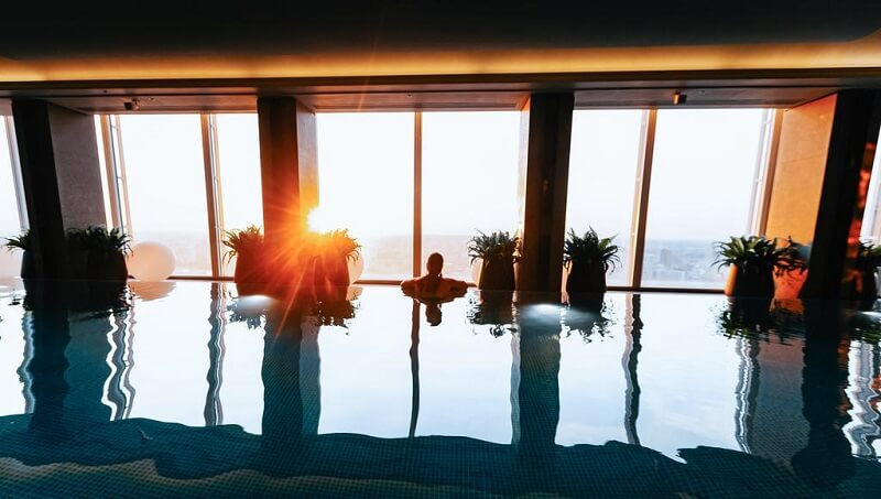 Piscina do Shangri-La Hotel at The Shard em Londres