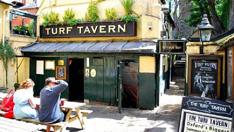 The Turf Tavern Bar em Oxford