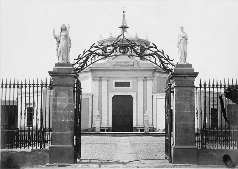 Foto antiga do Cemitério Presbítero Maestro em Lima