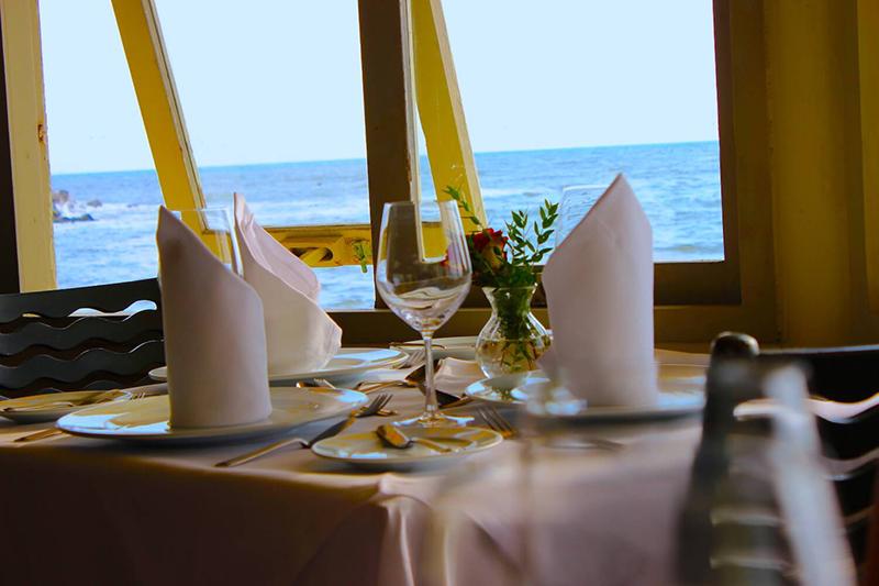 Interior do Restaurante La Rosa Nautica em Lima
