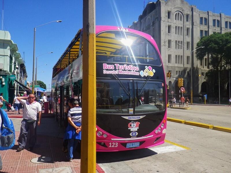 Passeio de ônibus turístico no Uruguai