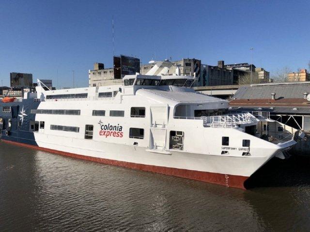 Como se locomover com ferry por Punta del Este