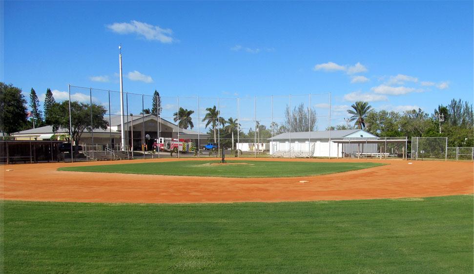 Holmes-Beach-Baseball-Diamond