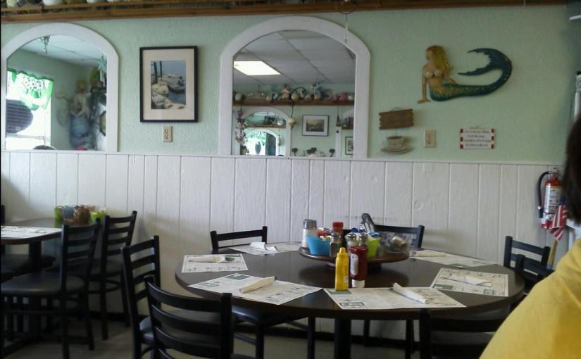 Minnie's Breakfast and Lunch Restaurant in Holmes Beach