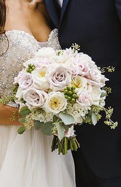 maggiesottero-classicbride-bouquet