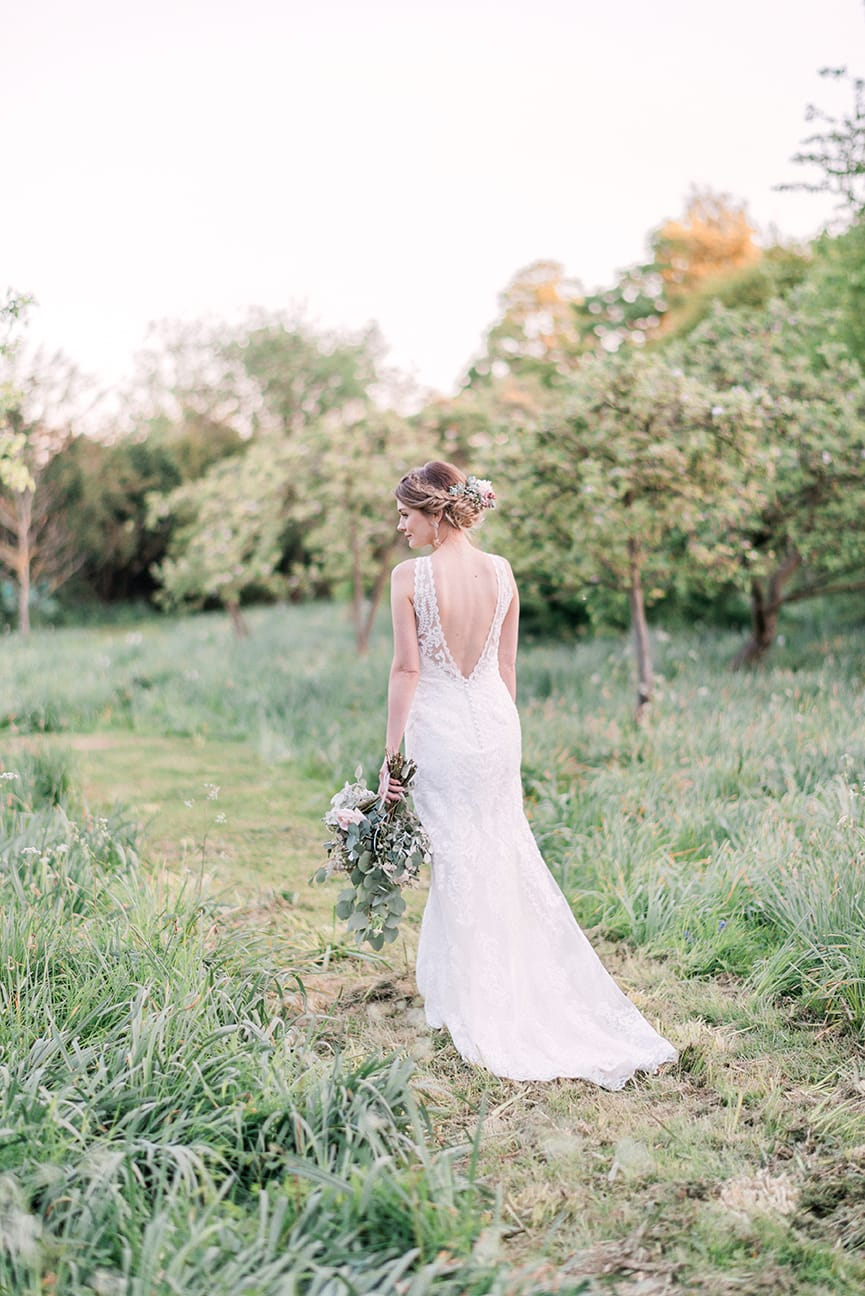 Airy and Sophisticated Nuptials with Modern Lace Wedding Dress