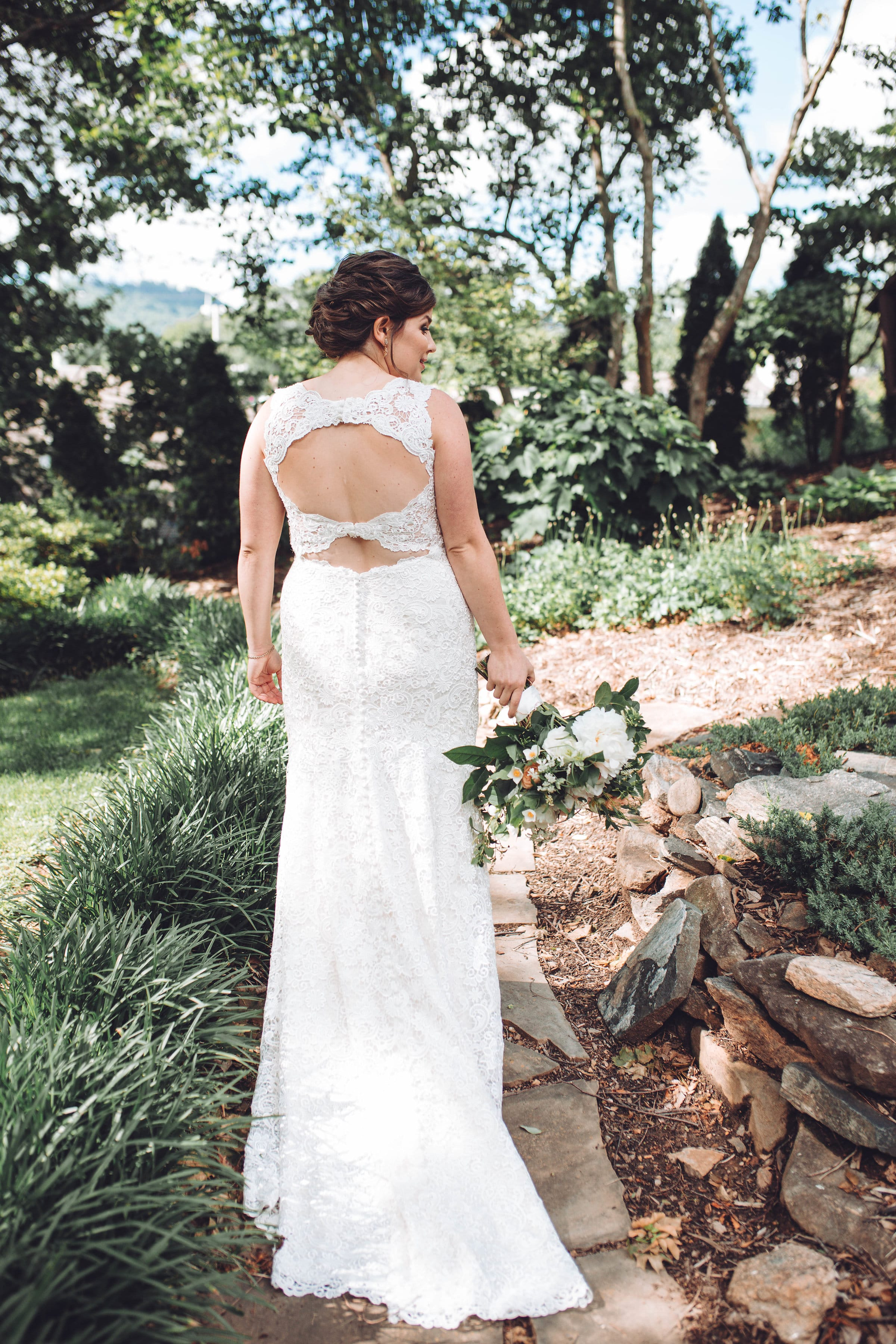 Keyhole-back Lace Wedding Dress in Classic and Romantic Nuptials