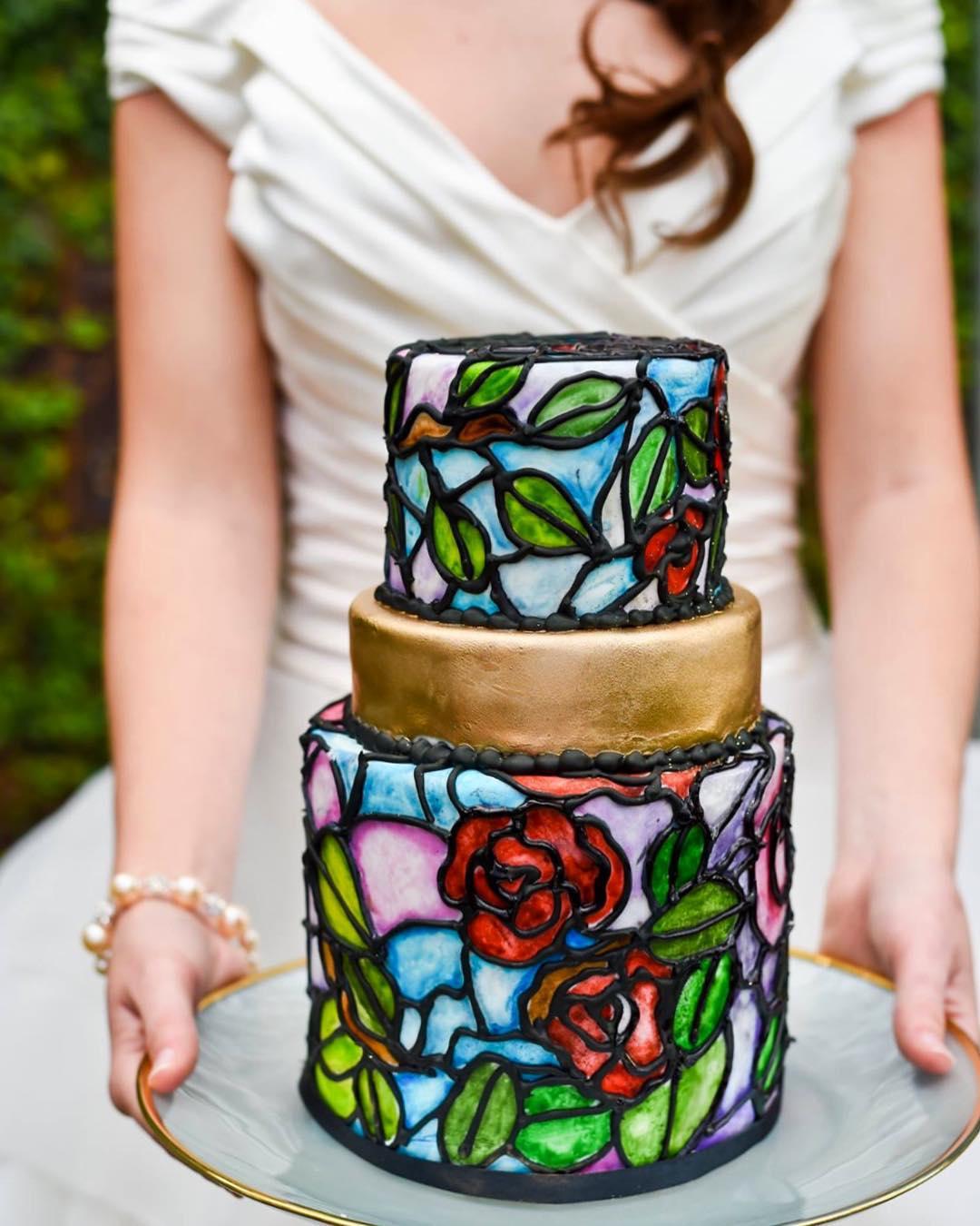 Romantic Wedding Cake to match your Romantic Wedding
