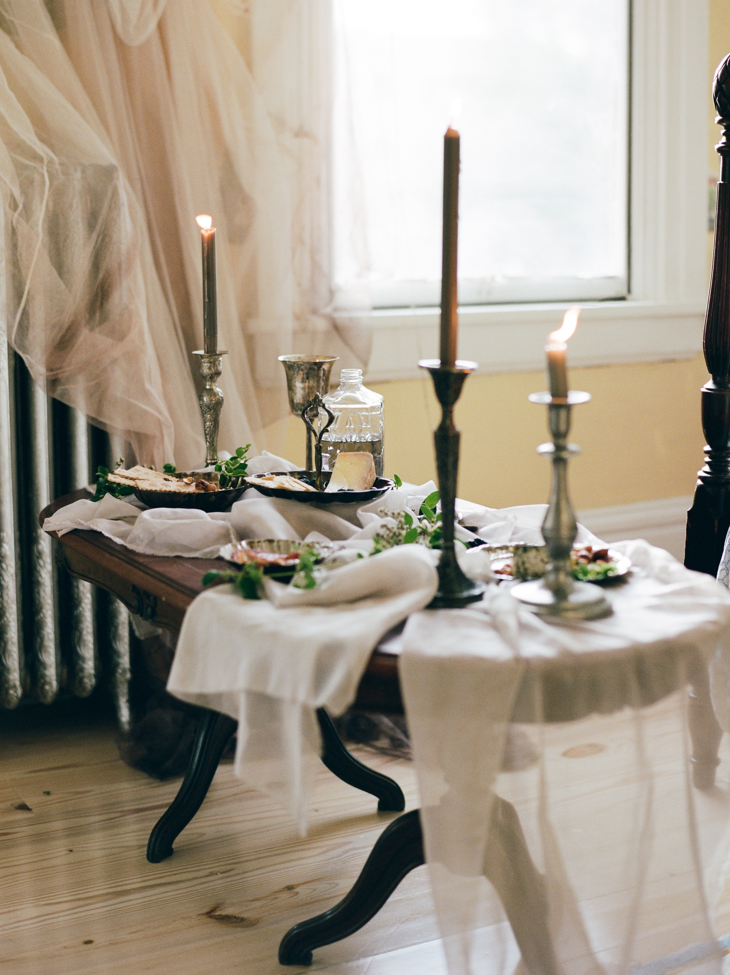 Vintage Table Setting to match your Vintage Wedding