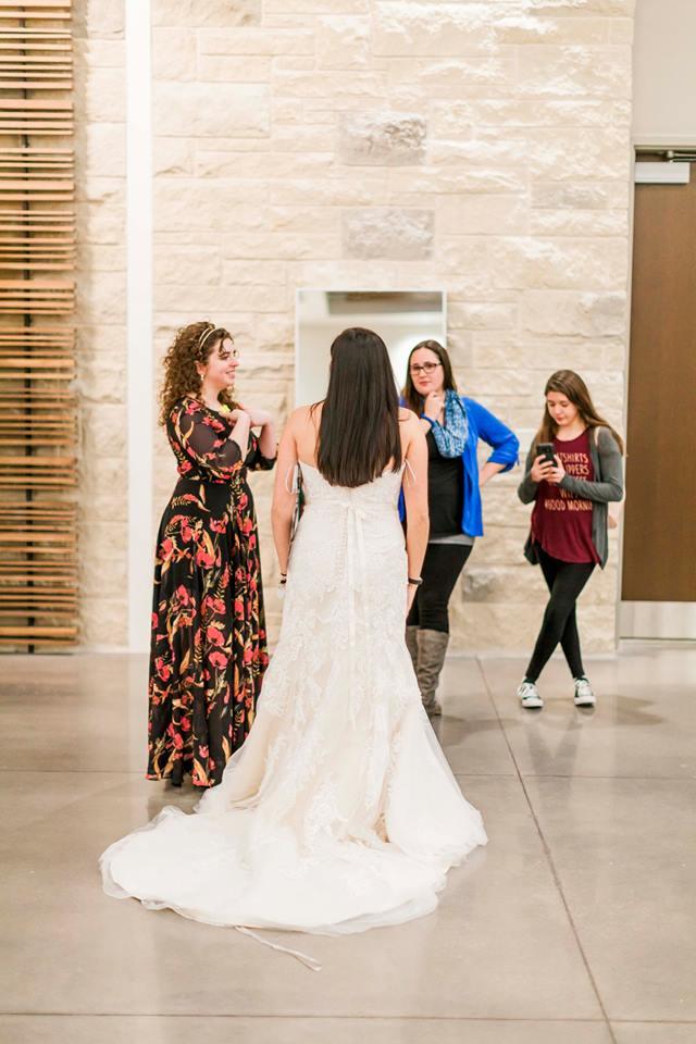 Finding your wedding dress online
