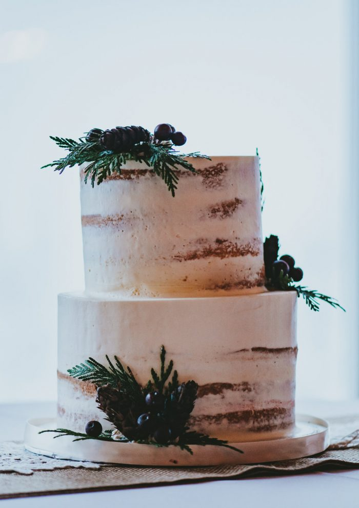 Holiday Wedding Cake with Burgandy