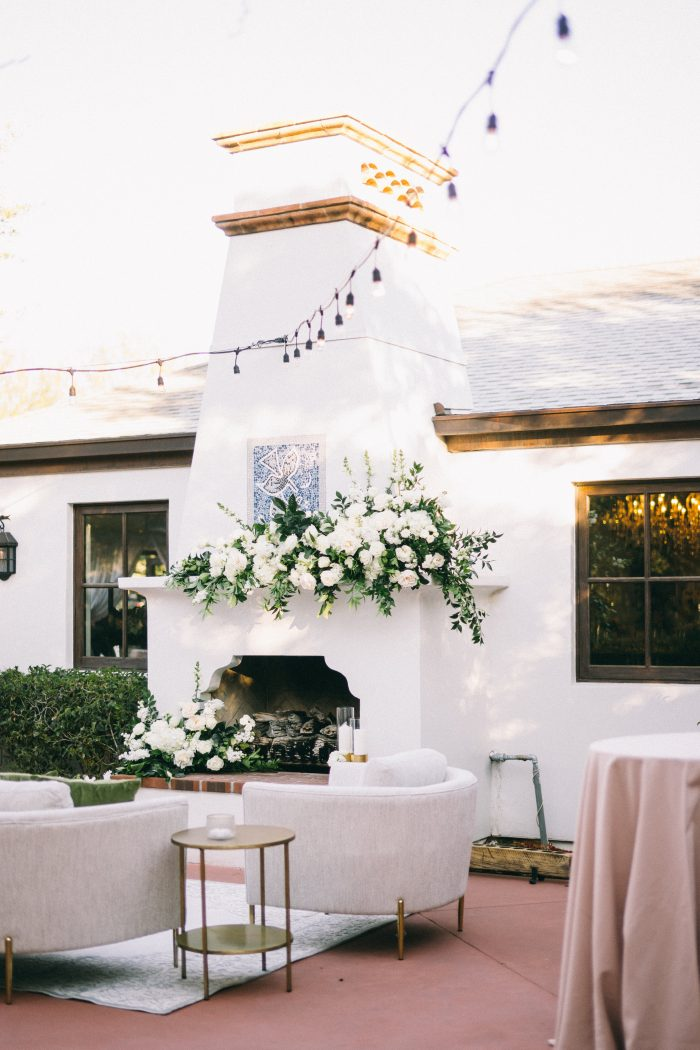 Mid Century Modern Fire Place and Furniture for Planning an Outdoor Wedding