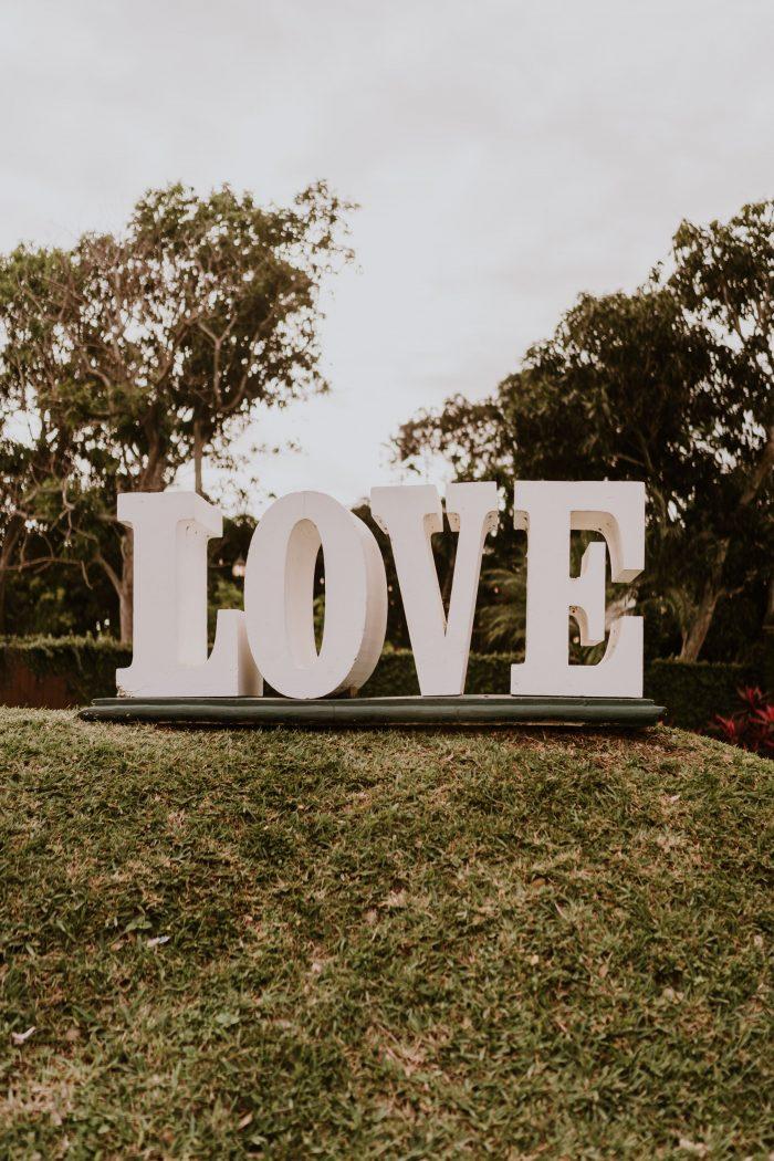 LOVE Sign for Outdoor Wedding Idea